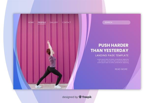 Metta in mostra il modello della pagina di atterraggio con la donna che fa la foto di yoga