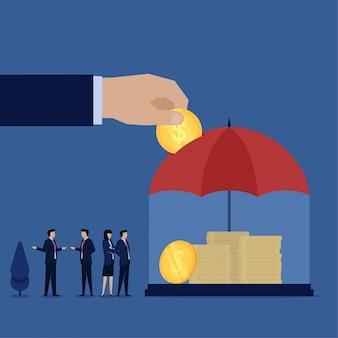 Metti mano la moneta sulla metafora dell'ombrello di risparmio di sicurezza e investimento. illustrazione piana di concetto di affari.