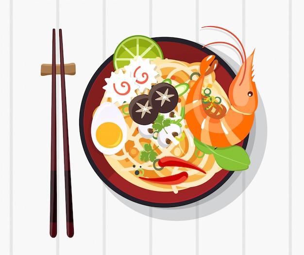 Minestra di cinese tradizionale con le tagliatelle, minestra di pasta in ciotola cinese alimento asiatico
