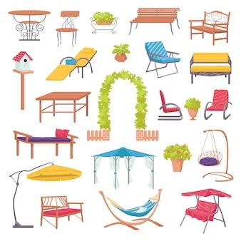 Mobili da esterno per giardino con piante verdi, sedie, poltrone, tavoli e ombrelloni per l'illustrazione del paesaggio. mobili da esterno per la casa per il relax in cortile.