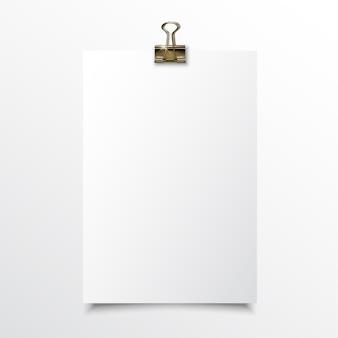 Mock realistico di carta verticale vuoto fino