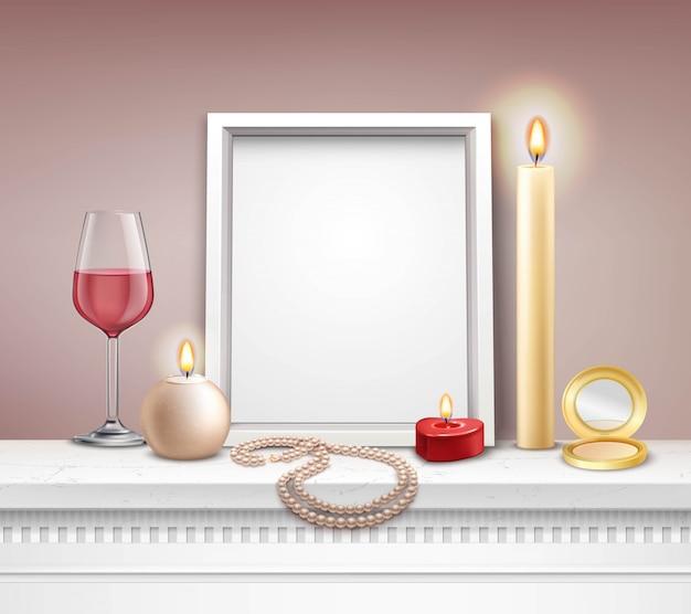 Mockup di cornice realistica con candele collana specchio e bicchiere di vino