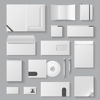 Mockup identità vuota. opuscoli in bianco bianchi realistici dei documenti 3d della cancelleria della lettera del biglietto da visita. modello di identità aziendale