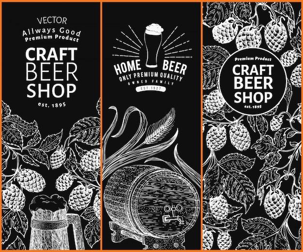 Modelli di design beer hop. sfondo di birra d'epoca. illustrazione disegnata a mano del luppolo di vettore sul bordo di gesso. set di banner stile retrò.