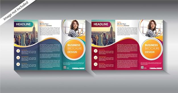 Modello a tre ante brochure