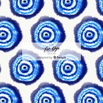 Modello blu tie-dye