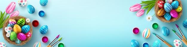 Modello del fondo del manifesto di pasqua con le uova di pasqua nel nido su fondo blu-chiaro. saluti e regali per il giorno di pasqua