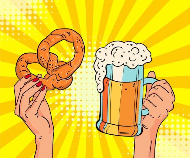 Modello del manifesto dell'oktoberfest: birra chiara, salatini in mano.