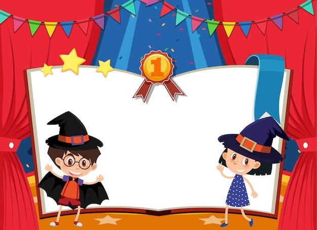 Modello dell'insegna con il ragazzo e la ragazza in costume in scena