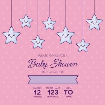 Modello dell'invito della doccia di bambino con le stelle sveglie decorative che appendono sopra il fondo rosa, de variopinto