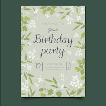 Modello dell'invito di buon compleanno dei piccoli fiori bianchi