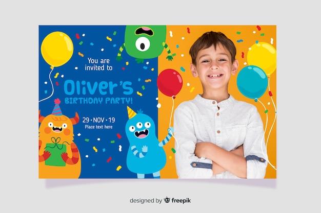 Modello dell'invito di compleanno dei bambini con l'immagine