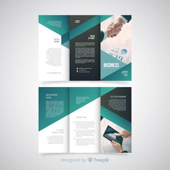 Modello dell'opuscolo a tre ante di affari