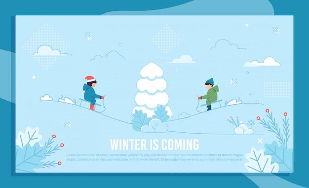 Modello della bandiera di inverno con bambini allegri sulla slitta