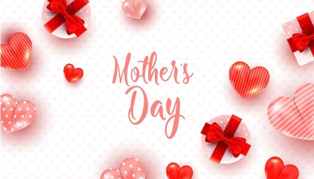 Modello della cartolina d'auguri di giorno di madri con la decorazione rossa e rosa del cuore, contenitori di regalo di sorpresa su bianco