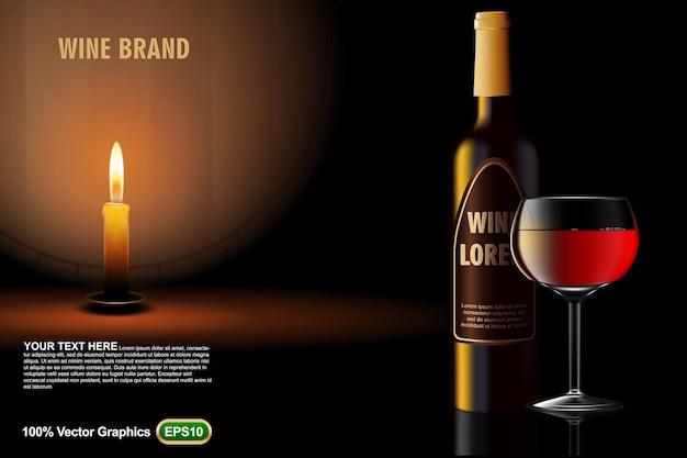 Modello di annunci di bottiglia di vino sfilano, con candela di vetro e barile su sfondo scuro