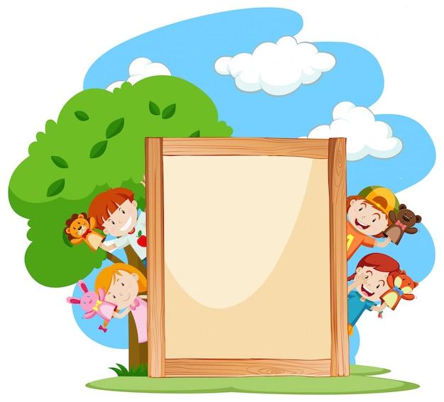 Modello di banner con bambini nel parco