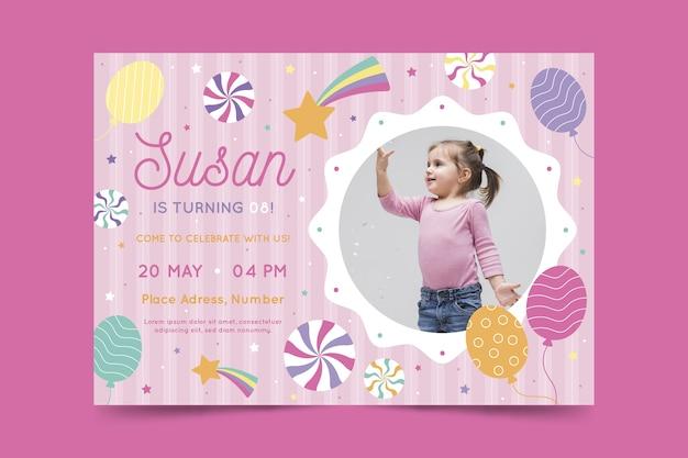 Modello di biglietto d'auguri per bambini colorati