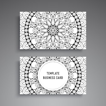 Modello di biglietto da visita ornamentale mandala
