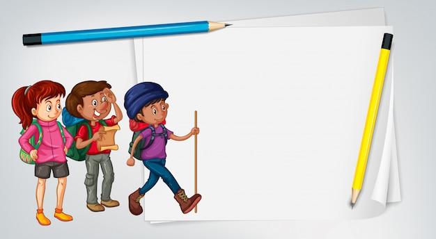 Modello di carta con tre escursionisti