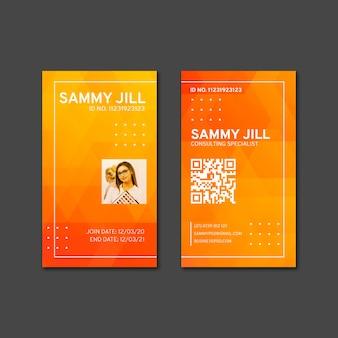 Modello di carta d'identità della donna di affari