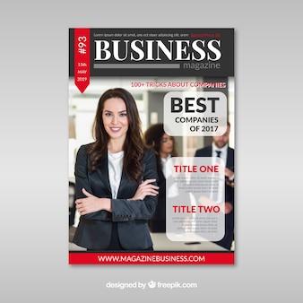 Modello di copertina di una rivista di affari con la posa del modello