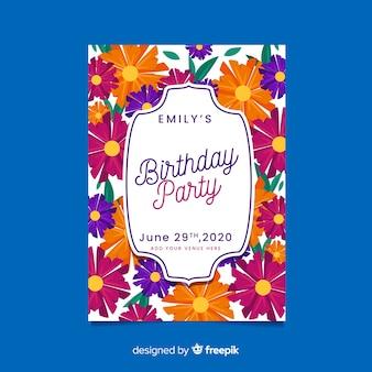 Modello di disegno floreale dell'invito di compleanno