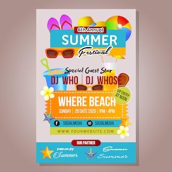 Modello di festival estivo poster con roba da spiaggia
