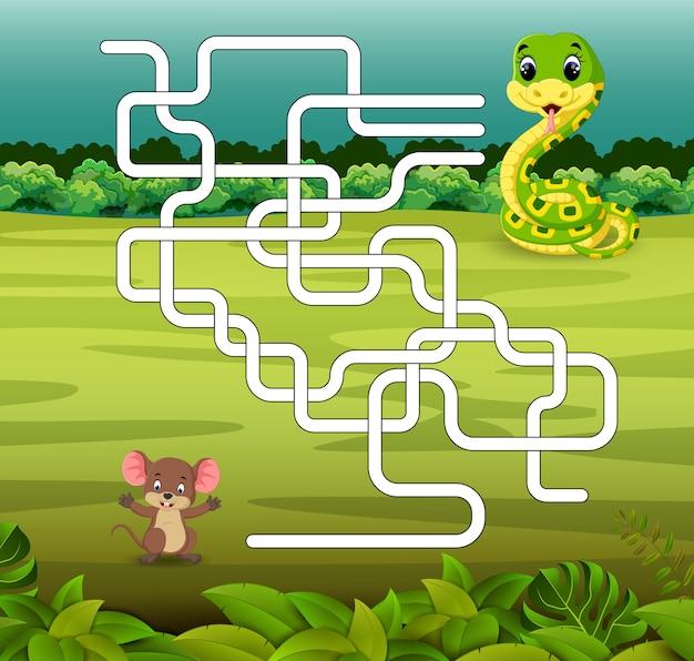 Modello di gioco con serpente e mouse