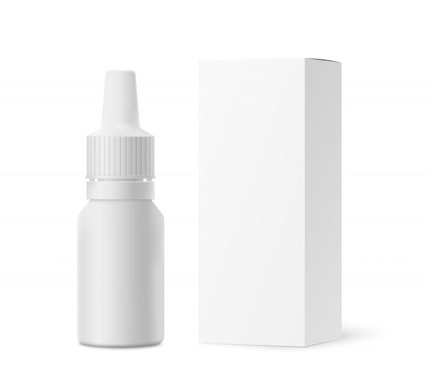 Modello di gocce nasali, bottiglia di imballaggio del liquido e con scatola di carta, isolato su bianco
