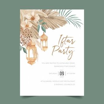 Modello di invito bohemien iftar party con foglie di palma essiccate, erba di pampa, orchidea e lanterna sospesa