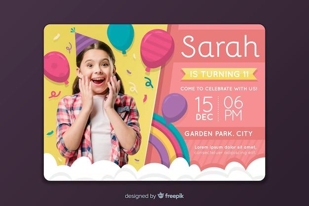 Modello di invito colorato biglietto d'auguri per bambini