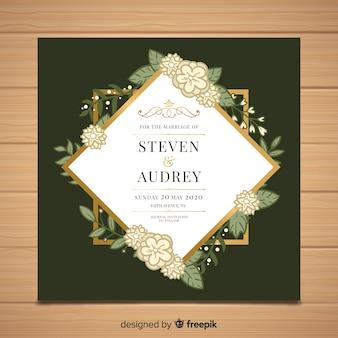 Modello di invito di matrimonio floreale con elementi di design d'oro