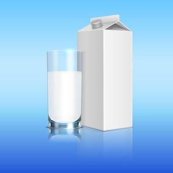 Modello di latte pack e bicchiere di latte. illustrazione della bevanda di imballaggio