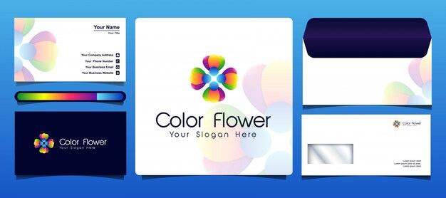 Modello di logo colorato fiore viene fornito con un biglietto da visita e design busta
