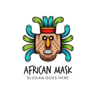 Modello di logo colorato maschera africana. maschera tribale