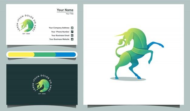 Modello di logo colorato unicorno e modello di progettazione di biglietti da visita.