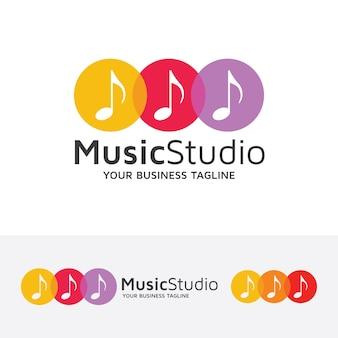 Modello di logo del vettore dello studio musicale
