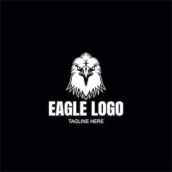 Modello di logo dell'aquila in bianco e nero