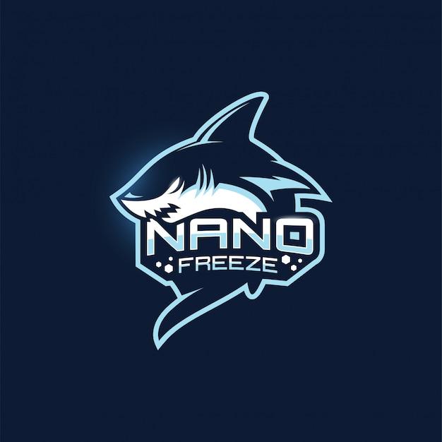 Modello di logo della mascotte della squadra di gioco di squalo esport