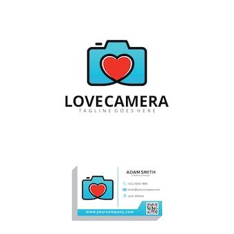 Modello di logo di amore fotocamera