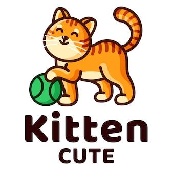 Modello di logo di kitten cute kids play ball