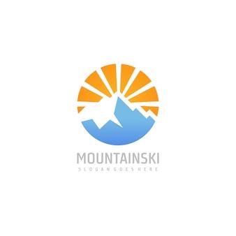 Modello di logo di montagna con sole