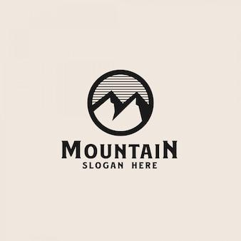 Modello di logo di montagna semplice. illustrazione vettoriale