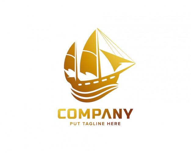 Modello di logo di nave a vela per le imprese