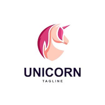 Modello di logo di unicorno con scudo forma