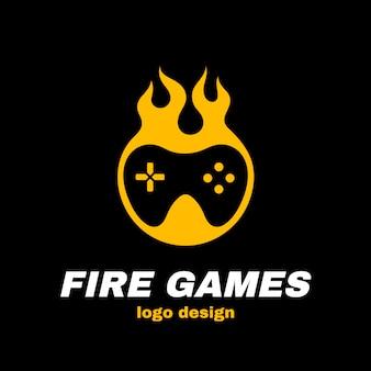 Modello di logo di vettore di giochi di fuoco. joystick nel fuoco. gioco caldo, gamepad, concetto di giocatore