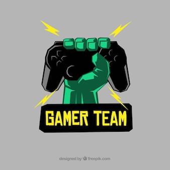 Modello di logo squadra di e-sport con joystick della holding della mano