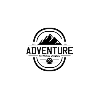Modello di logo vintage di montagna