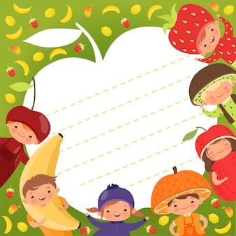 Modello di menu per bambini. sfondo colorato con illustrazioni bambini felici in costumi di frutta